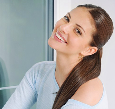 Rs 370 for hair & skin care services @ Vikas Marwah's Salon