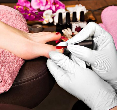 Rs 670 for facial, pedicure & more @ Manglam Beauty Clinic